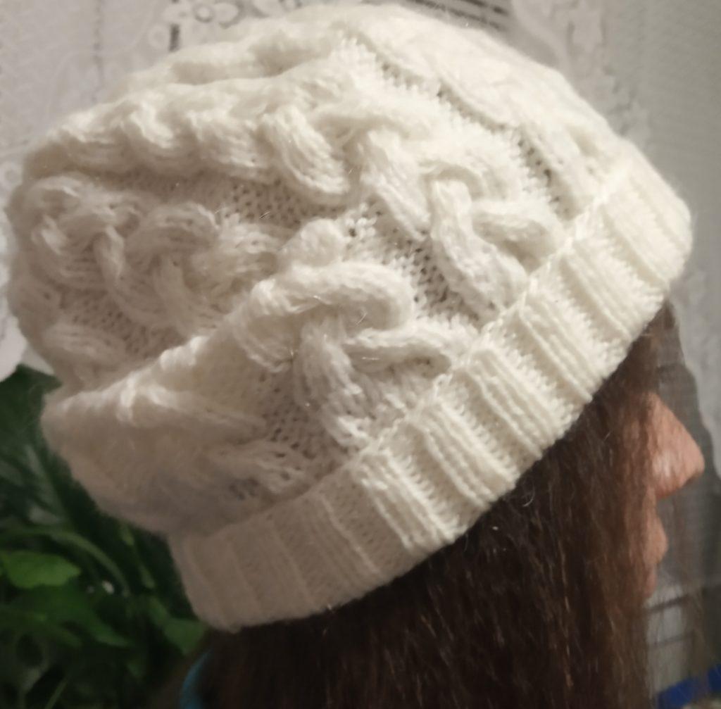 как вязать шапку спицами